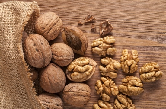 walnuts-whole-and-shelled